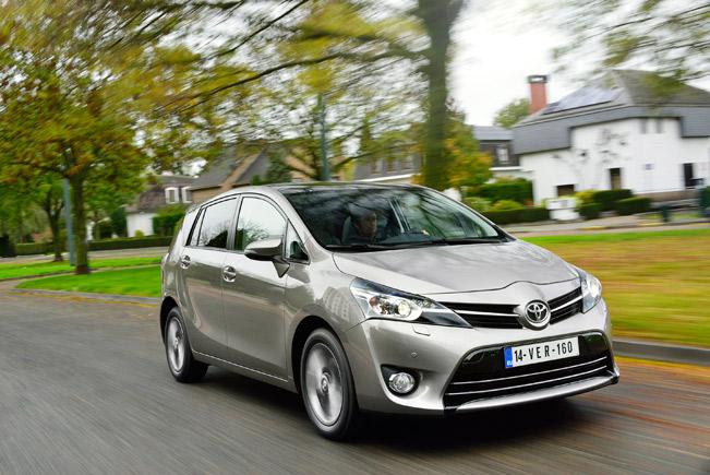 2014-Toyota-Verso-medium