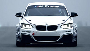 BMW M235i Racing [video]