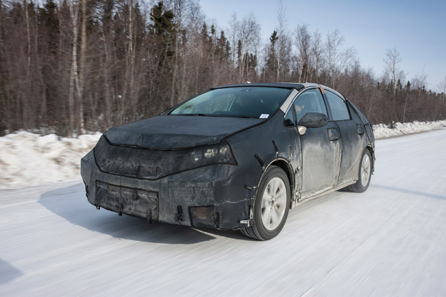 2014-Toyota-FCHV-cold-testing-medium