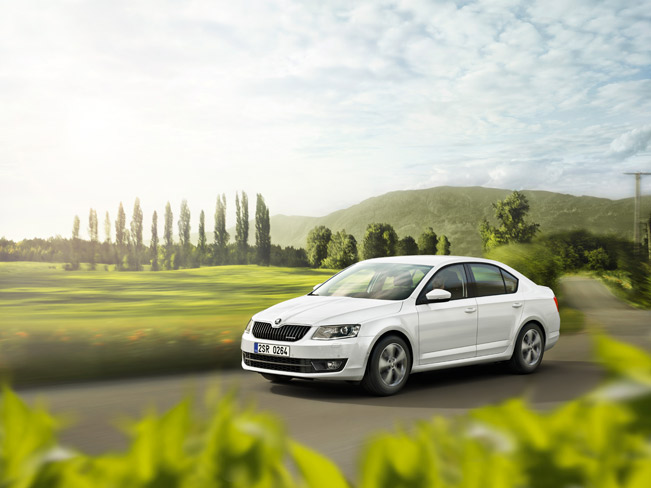 Skoda-Octavia-GreenLine-hatch-medium