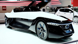 2014 Geneva Motor Show: Nissan BladeGlider Concept