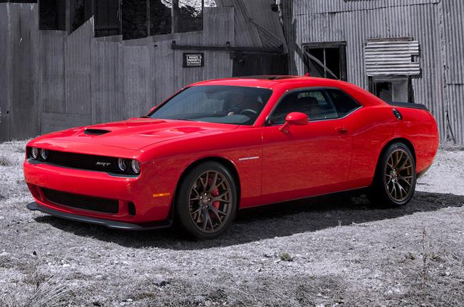 2015-Dodge-Challenger-SRT_651