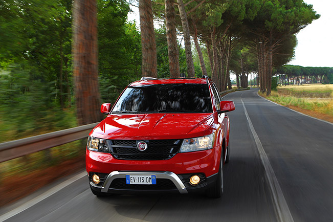 2015-Fiat-Freemont-Cros-651