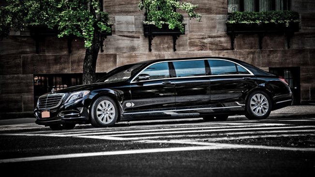 2015-Mercedes-Benz-Pullman-651