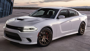2015 Dodge Charger SRT Hellcat - 707HP and 880Nm