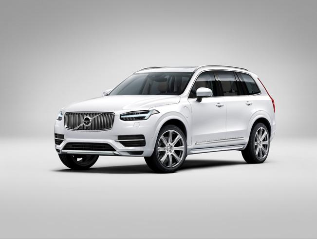 2015-Volvo-XC90_651