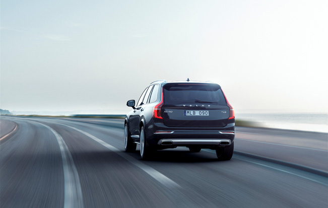 2015-Volvo-XC90-rear_651