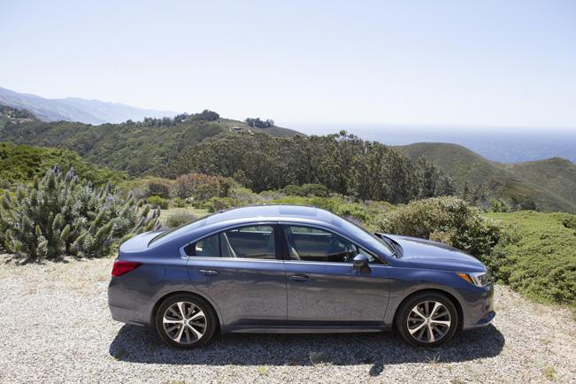 2015-Subaru-Legacy_651