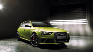 Audi Exclusive Shows One-Off RS 4 Avant Peridot Metallic
