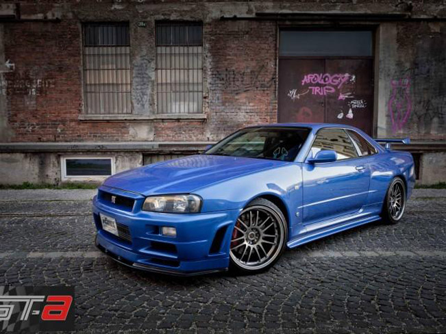 paul walker s nissan skyline gt r on sale how much would you pay. Black Bedroom Furniture Sets. Home Design Ideas