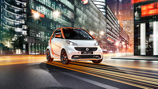 Smart Fortwo Edition Flashlight Cabrio - Big Name for a Small-sized Car