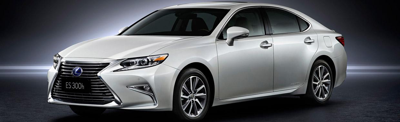Lexus ES Side View
