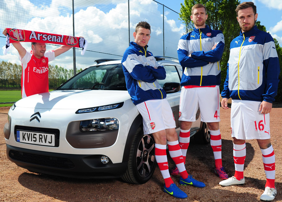 2015-Citroen-Arsenal-Fan-Song-And-Survival-Guide-910