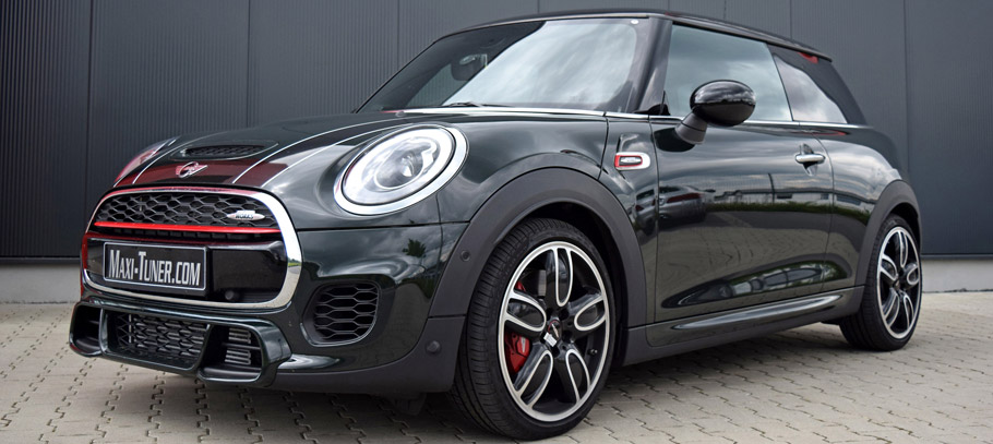 2015 Maxi-Tuner MINI John Cooper Works F56 Side View