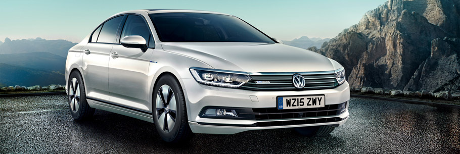 Volkswagen Passat BlueMotion Front View