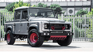 Custom Kahn Land Rover Defender 110 Makes Impressive Debut