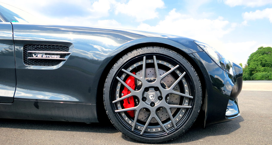 Mercedes Gt S Received Some Nice One Of A Kind Wheels From Loma Brand