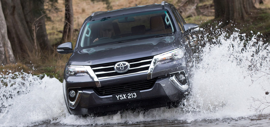 2015 Toyota Fortuner Front View