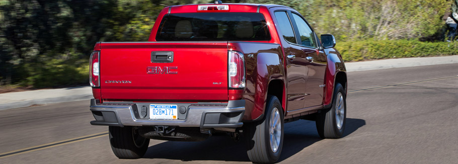 2016 GMC Canyon SLE Rear View