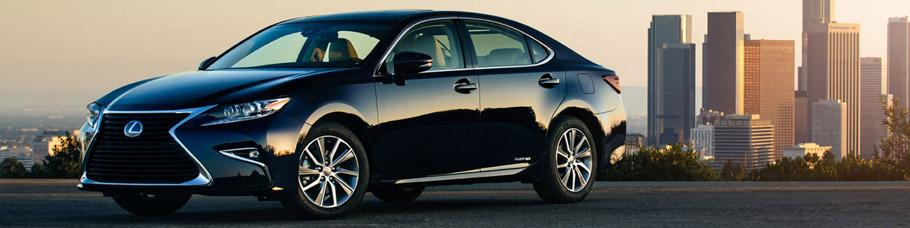 2016 Lexus ES 300h Front View