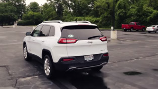 How to Hijack a Jeep Cherokee Over the Internet? [VIDEO]