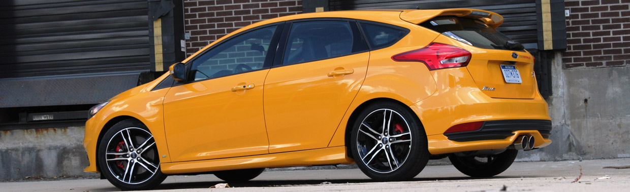 2015 Ford Focus ST with Ford Performance Mountune Kit Rear and Side View