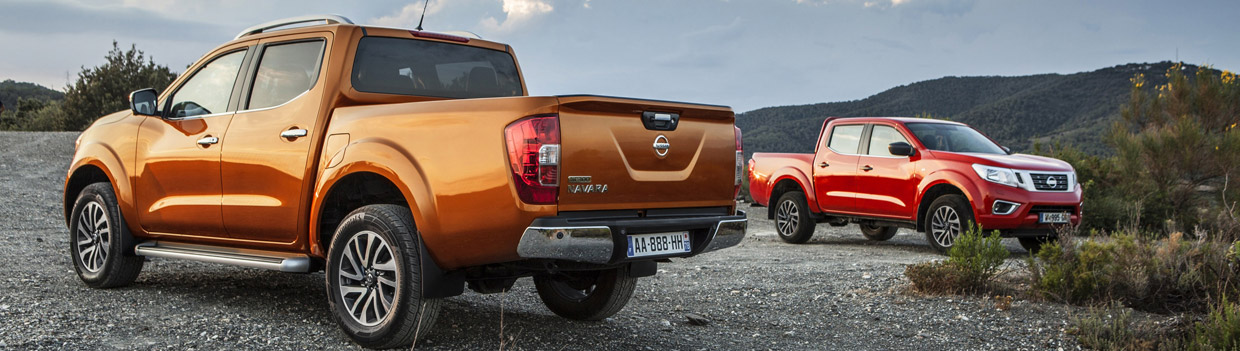 2016 Nissan NP300 Navara Rear and Front View