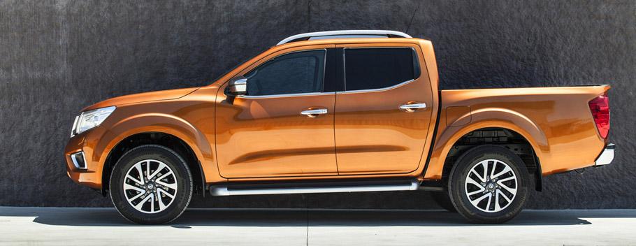 2016 Nissan NP300 Navara Side View