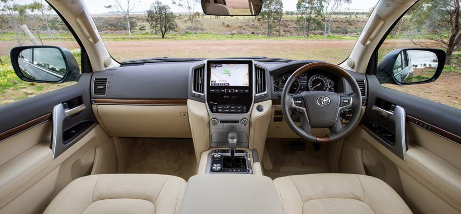 2016 Toyota Land Cruiser Facelift Interior