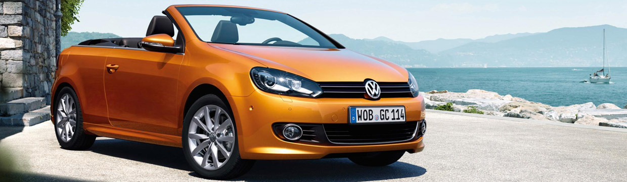 2016 Volkswagen Golf Cabriolet Front and Side View