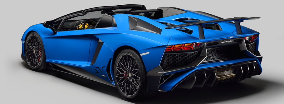 2017 Lamborghini Aventador LP 750-4 SuperVeloce Roadster Rear View