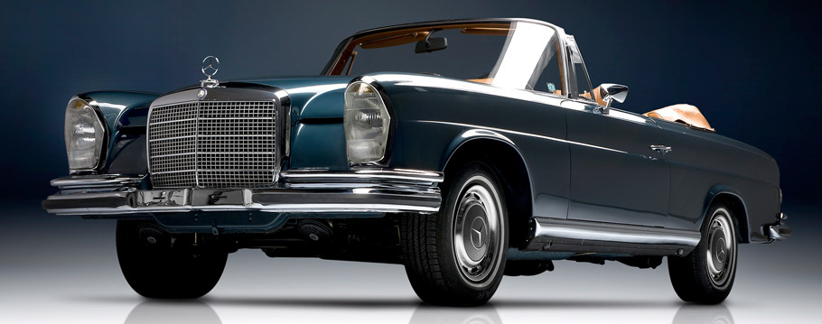 1961 Mercedes-Benz S-Class Cabriolet Front View