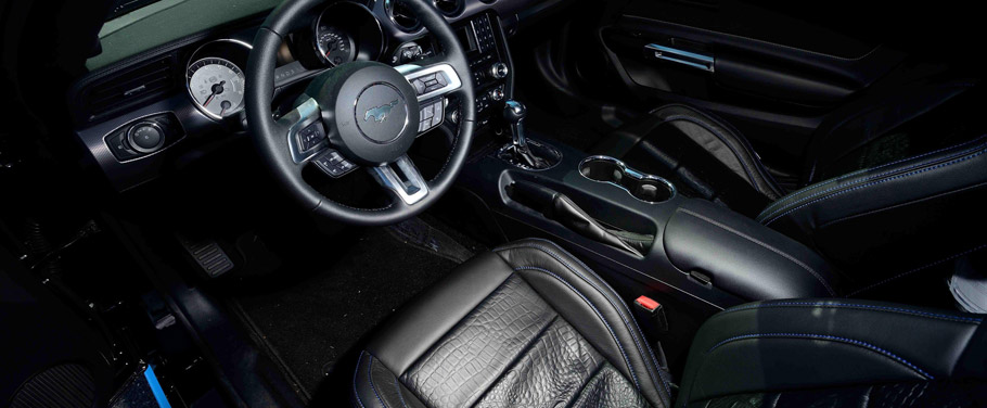 Petty's Garage Ford Mustang GT Interior