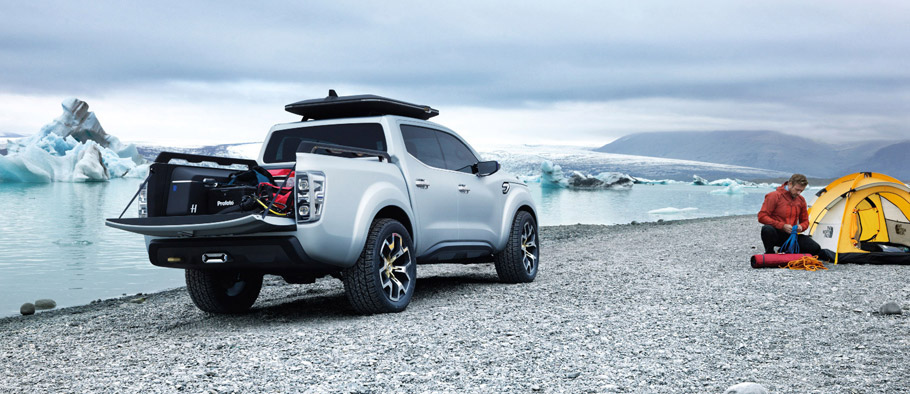Renault Alaskan Concept Rear VIew