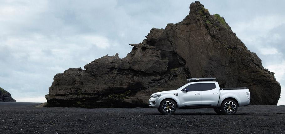 Renault Alaskan Concept Side View 2