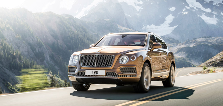 2017 Bentley Bentayga Front View