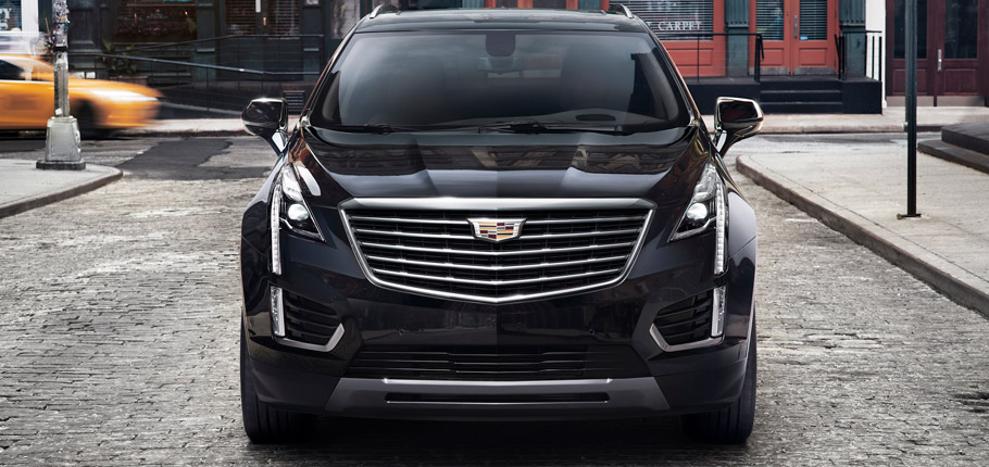 2017 Cadillac XT5 Front View