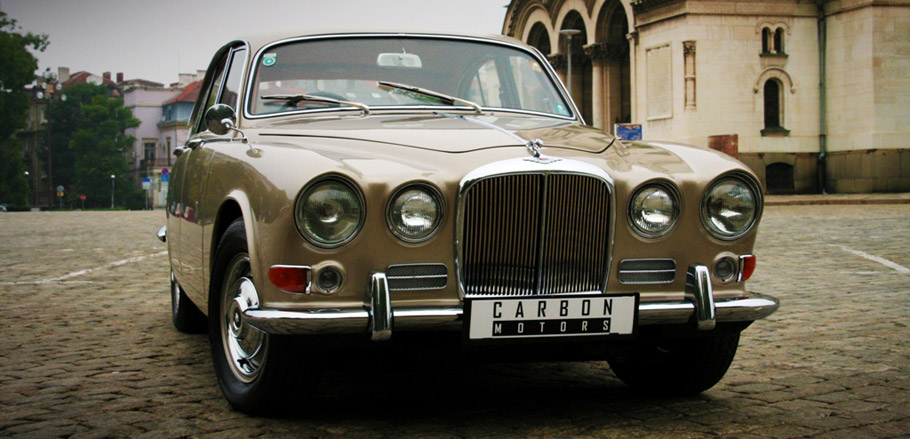 1968 Jaguar 420 by Carbon Motors Front View