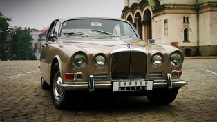 see the ecstatic restoration process of 1968 jaguar 420 by carbon motors [video]