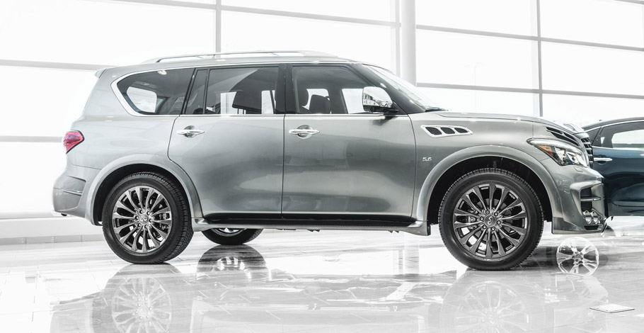 LARTE Design Infiniti QX80 Side View