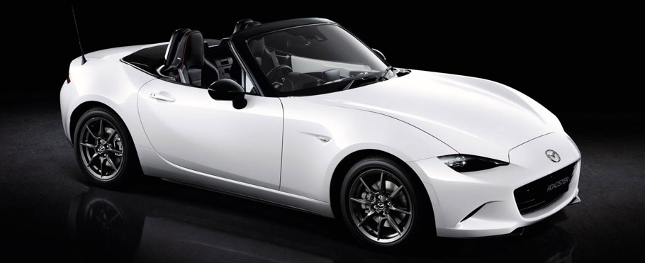 Mazda MX-5 RS Front an Side View