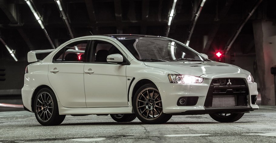 2015 Mitsubishi Lancer Evolution Final Edition Side View