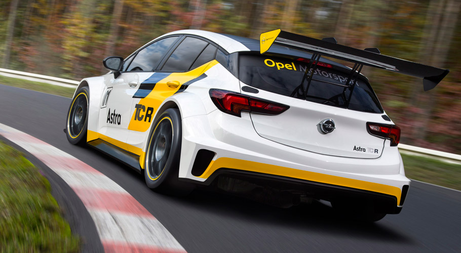 Opel Astra TCR Rear view