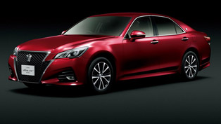 Toyota Crown Received a Well-Deserved Facelift!
