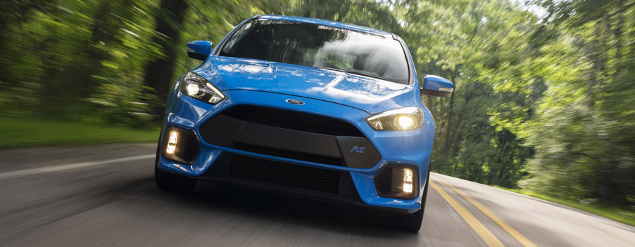 2016 Ford Focus RS Front View