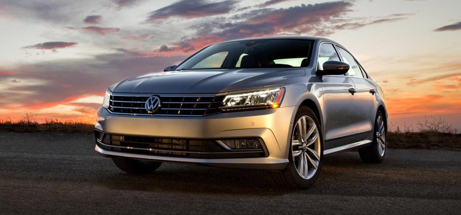 2016 Volkswagen Passat Front View