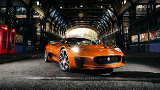 007 SPECTRE's Jaguar C-X75 Made Official Debut in London