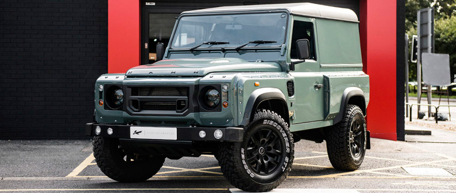Land Rover Defender Hard Top CWT by Kahn front view