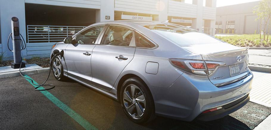 Hyundai Sonata Plug-in Hybrid Rear View and Charging