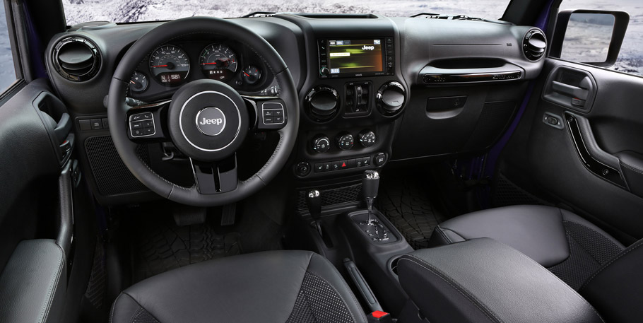 2016 Jeep Grand Cherokee SRT Night Interior
